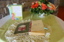 Guest book with shell tin